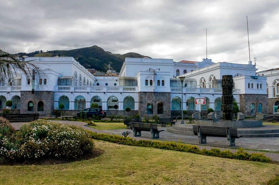 La vista del Centro de Arte Contemporáneo en el Centro de Quito.