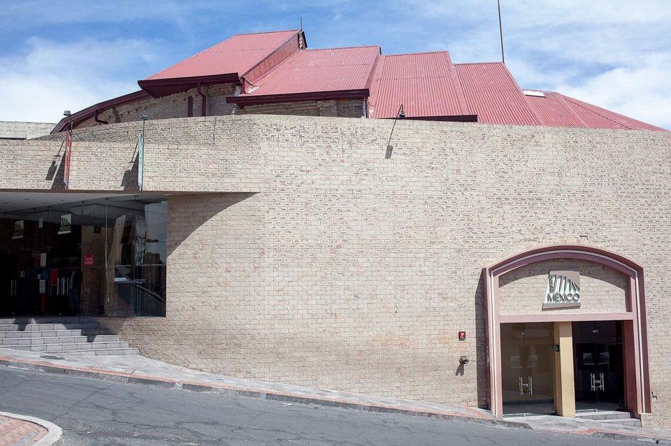 El Teatro México en el Centro de Quito.