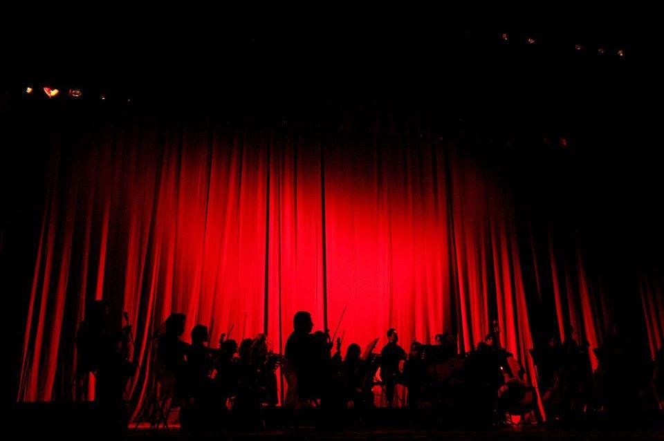 Una presentación en un teatro de Quito.