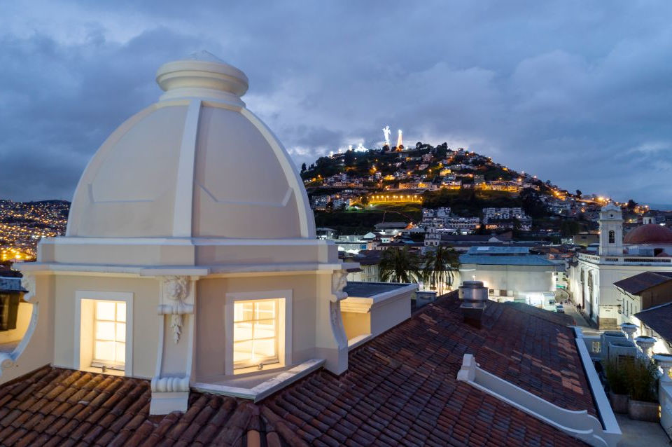 Vista del Panecillo desde Casa Gangotena