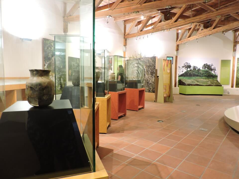 Objects at Tulipe site museum