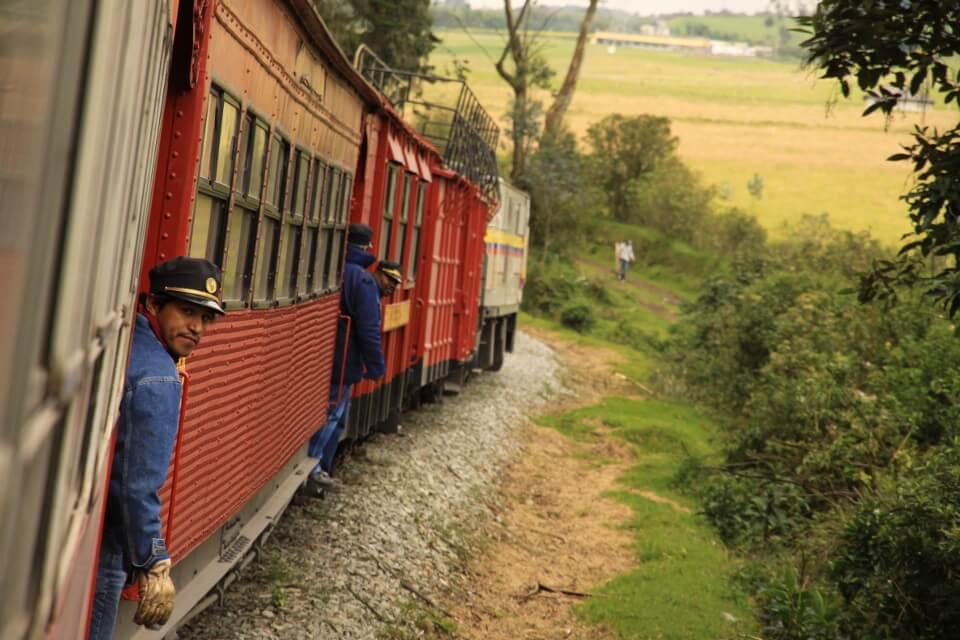 train-ecuador-1.jpg