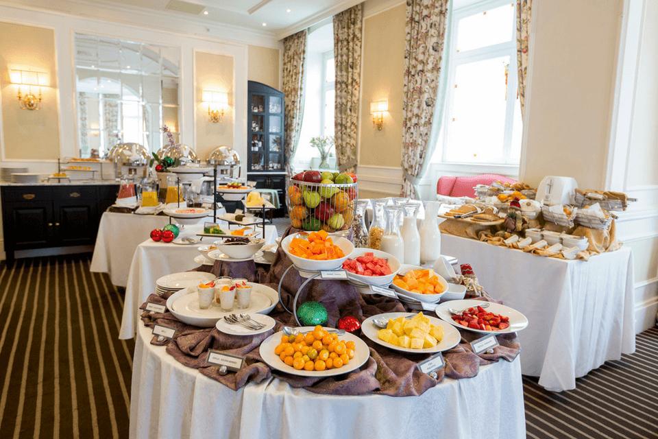 Frutas en el desayuno buffet de Casa Gangotena