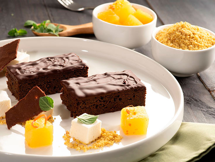 Brownie Choco Banana de Mikuy listo para servir