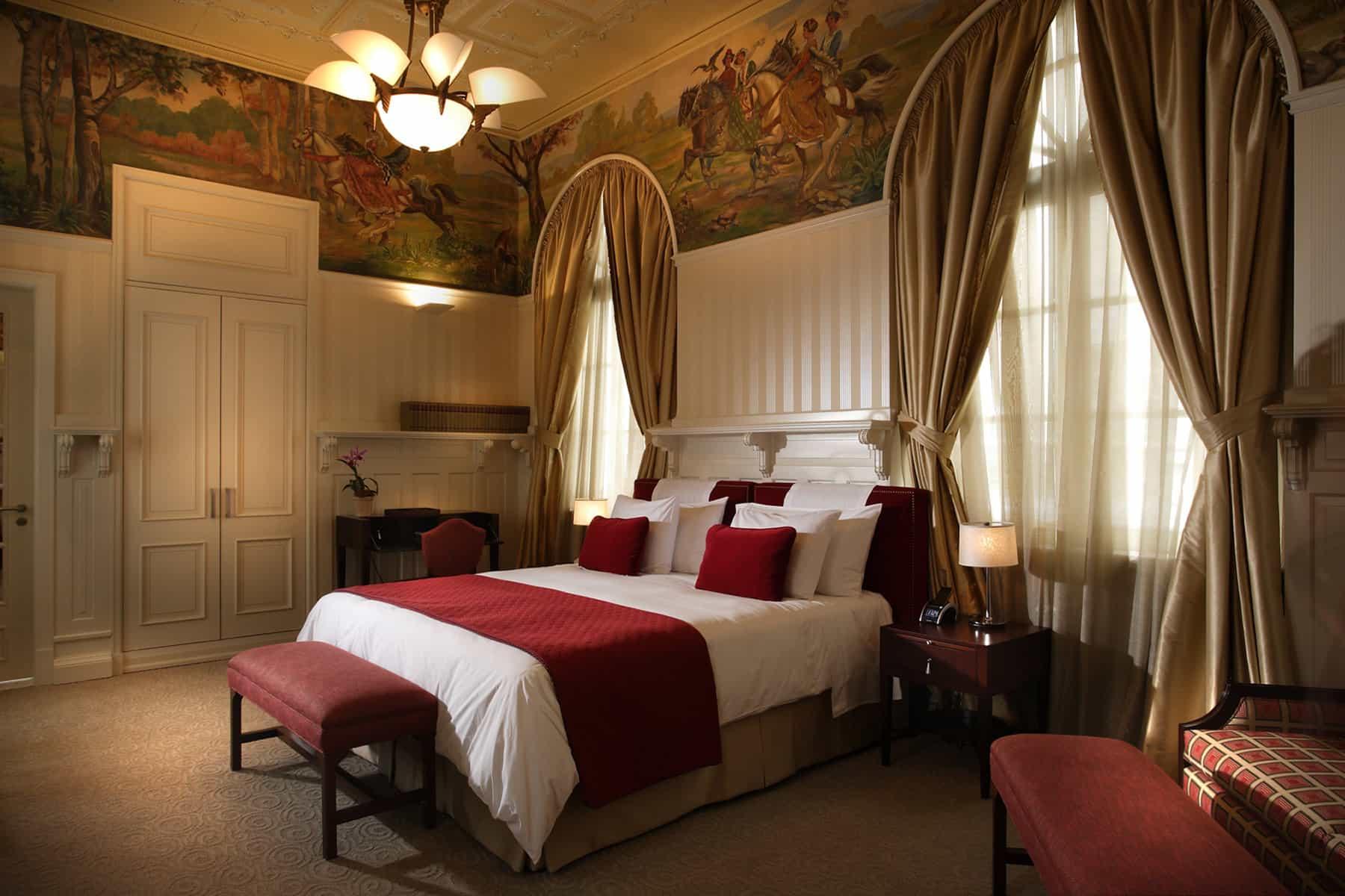 rooms - casa-gangotena-rooms-junior-suite.jpg